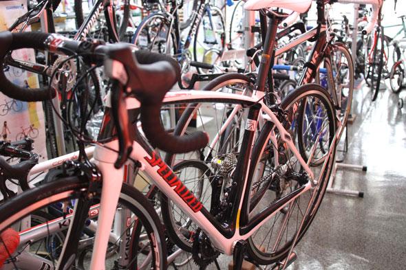 TOMOS店舗 自転車在庫